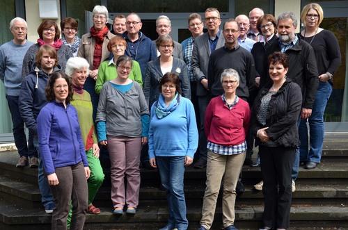 Die Teilnehmerinnen und Teilnehmer der Fortbildung »Altenpastoral auf Kurs« beschäftigen sich in der Katholischen Akademie Schwerte mit den Herausforderungen des demografischen Wandels für die Pastoral. (Foto: pdp)