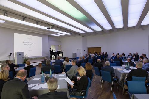 70 Gäste waren der Einladung gefolgt (©Katholische Akademie Schwerte)