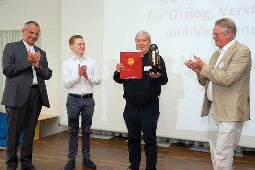 Hans Stapel OFM erhält Communiopreis