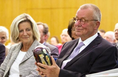 Ruprecht Polenz mit dem COMMUNIO-Preis