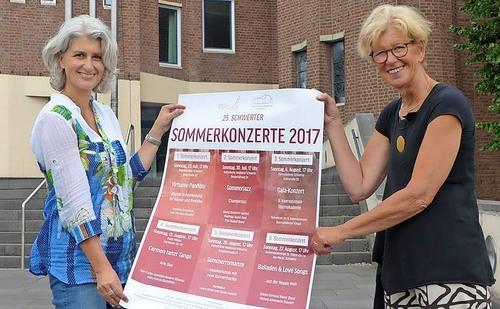 Prof. Dr. Stefanie Lieb (Katholische Akademie Schwerte) und Dr. Ulrike Pfau-Tiefuhr (Konzertgesellschaft Schwerte) laden zu den 25. Schwerter Sommerkonzerten ein